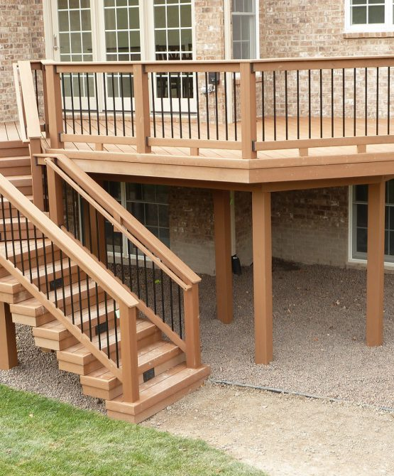 Porch-Exterior-Solid-Wooden-Railing